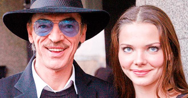Лиза Боярская показала фото постаревшего отца без шляпы
