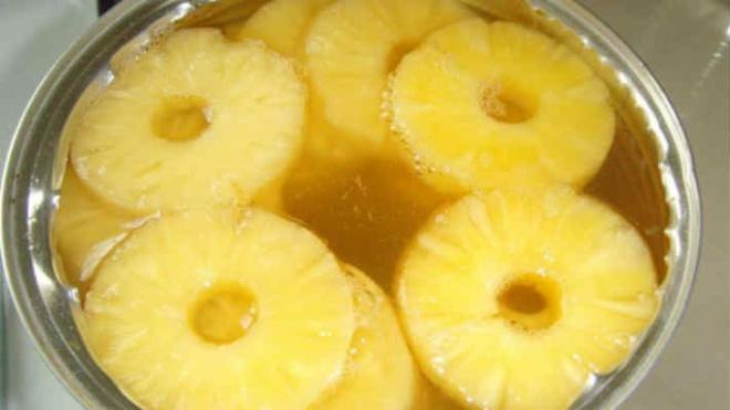 Маленький совет – хозяюшки, выливайте ананасовый сок, не раздумывая!