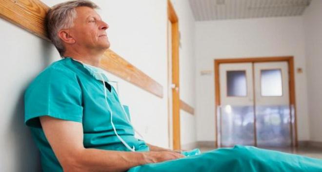 Откровенное письмо хирурга: «Дорогие люди, человеки, пациенты! Я устал. Я ухожу…»