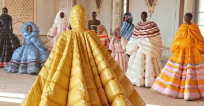 Дизайнерские платья-пуховики от Valentino. Вы готовы на это ради моды?