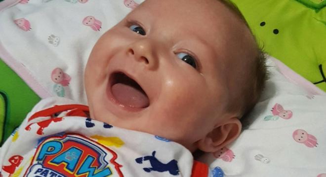 Ученые выяснили: младенцы специально улыбаются, чтобы манипулировать родителями!