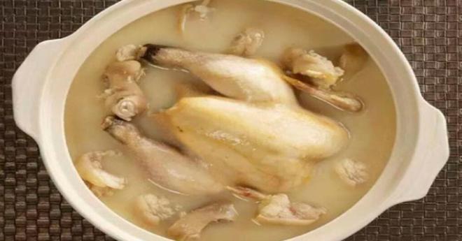 Бабушка показала, как полностью очищает курицу от гормонов роста и антибиотиков