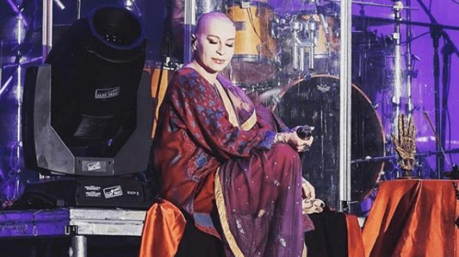 Наргиз Закирова показала, как она пела и выглядела в 14 лет