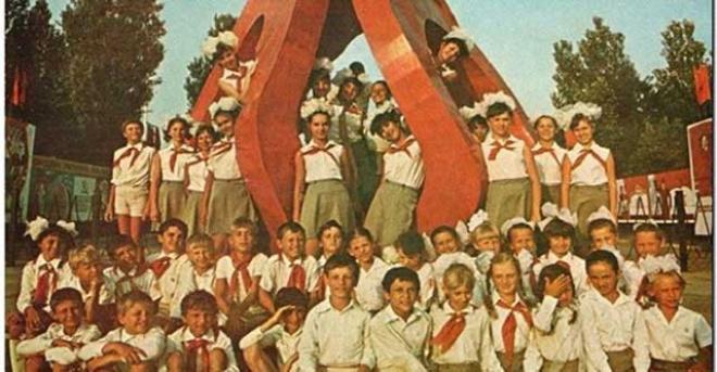 ПИОНЕРСКИЕ ЛАГЕРЯ В СССР: БЕЗЗАБОТНЫЙ ОТДЫХ ИЛИ УЖАСЫ ДИСЦИПЛИНЫ – КТО ПОМНИТ?