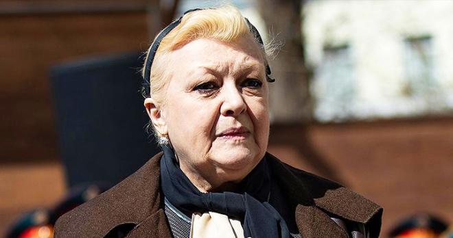 Наталья Дрожжина пожаловалась на постоянные преследования: актрису подстерегли в подъезде накануне задержания
