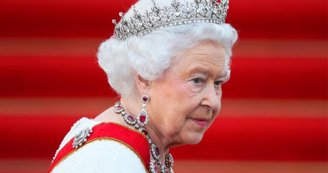 Королева Елизавета II отказывается от операции: родственники крайне обеспокоены состоянием ее здоровья