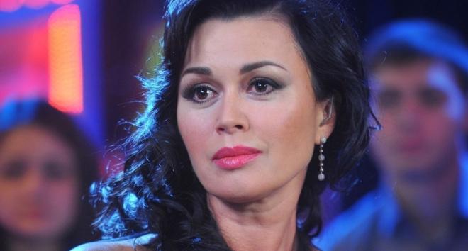СМИ: Анастасия Заворотнюк выбралась на съемки к Малахову.