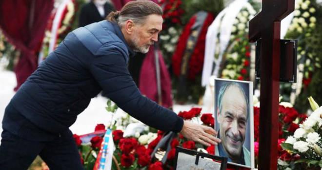 """""""Прощание с Гафтом было достойным и душевным"""": в """"Современнике"""" ответили на резкие слова Стаса Садальского"""