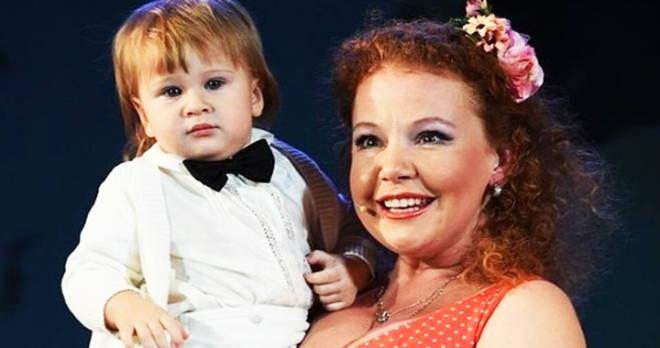 Муж звезды сериала «Всегда говори «всегда» Татьяны Абрамовой ушел, узнав о тяжелейшей болезни маленького сына