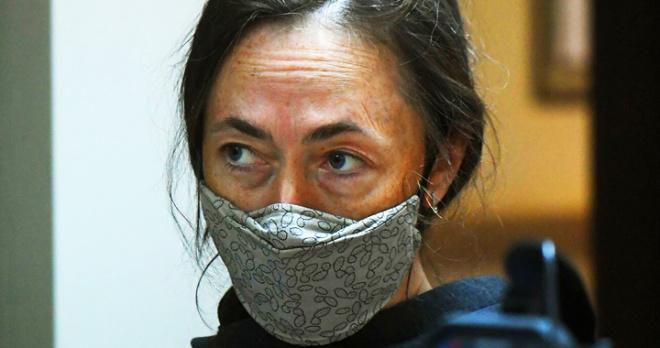 """Жена Ефремова вынуждена работать чтобы прокормить семью: """"Естественно, не хватает, у нее трое детей"""""""