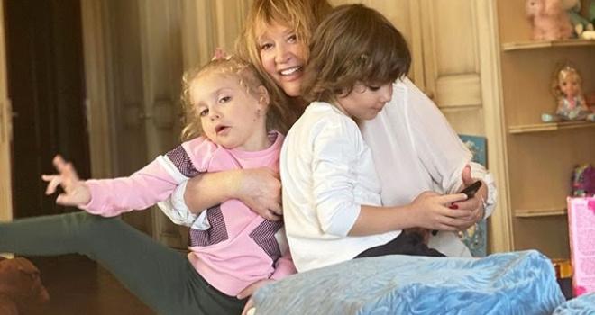 """""""Она у меня старенькая"""" – Лиза Галкина рассказала о своей взрослой маме"""