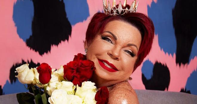 В свой праздник Людмила Порывай взбудоражила фанатов мини-платьем из органзы и еще более дерзким нарядом