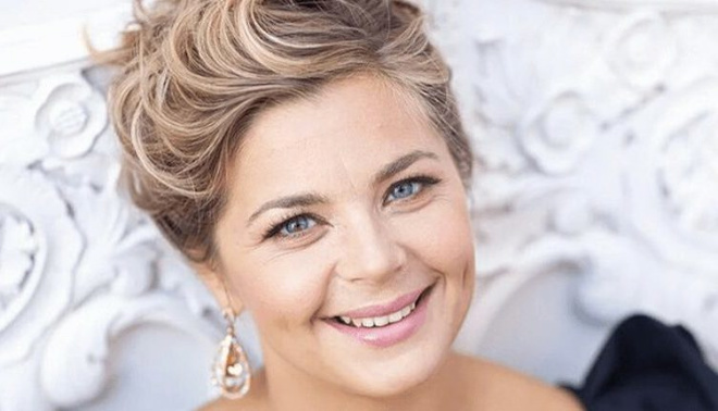 На шее складки, на лице морщины: 42-летняя Ирина Пегова опубликовала «честное» фото
