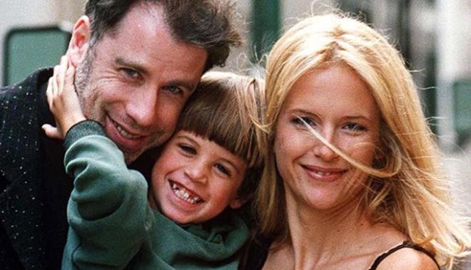 Джон Траволта со слезами на глазах обнял умершего сына и сказал: «Прости, Джетт»
