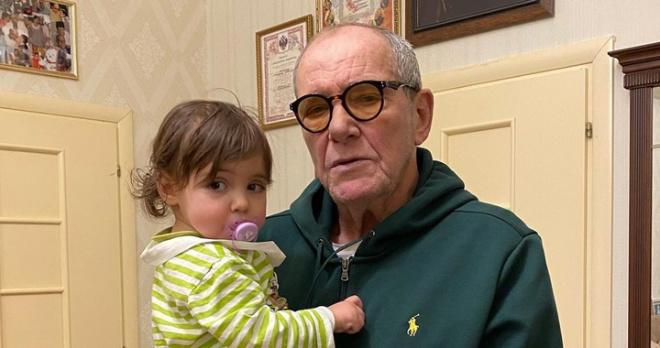 «Болен, сильно исхудал»: Виторган-старший показал изменившегося Андрея Чернышова, который выглядит старше него