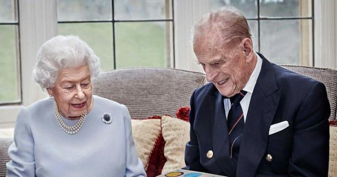 """""""Он хотел уйти в собственной постели"""": принц Филипп был верен себе до конца и заранее позаботился о катафалке"""