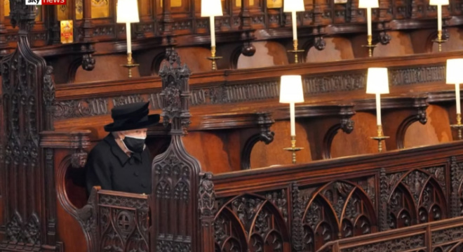 Королева Елизавета похоронила своего мужа принца Филиппа