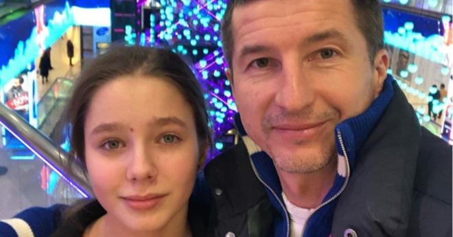 Новая мама. Дочь Началовой вышла в свет с отцом и мачехой