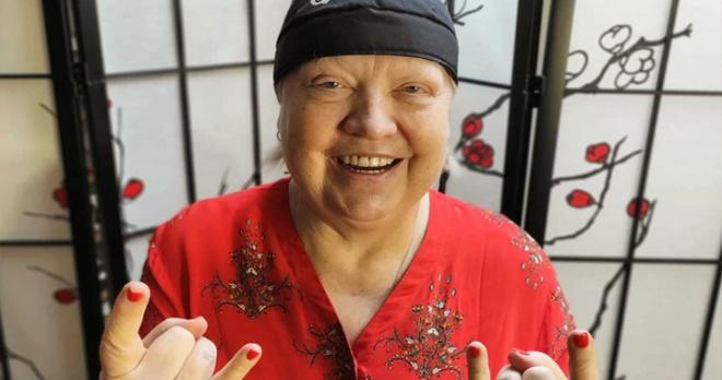 «Я запретила детям плакать!»: больная раком Светлана Крючкова уже выбрала платье для черного дня