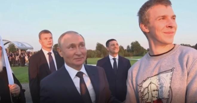 «Лебеди или журавли?»: с Путиным нечаянно поспорили о пролетающих мимо птицах