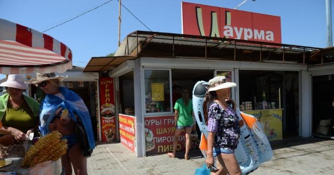 «Есть это невозможно». Туристы описали «пищевой ад» на российских курортах
