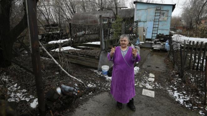 Блогеры купили квартиру пенсионерке, которая 35 лет прожила в железной бочке
