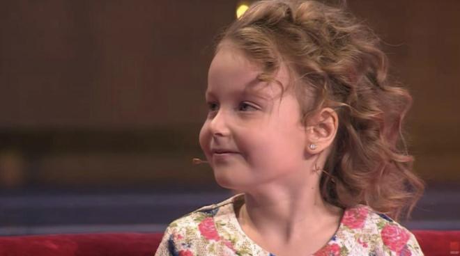 Что стало с девочкой из шоу «Лучше всех», которая уже в 5 лет знала 6 языков